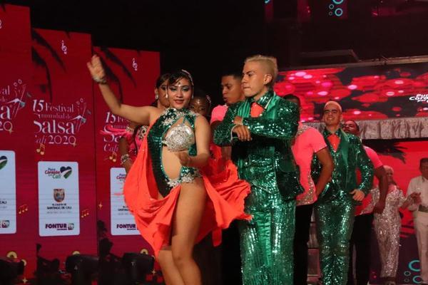 'Distrito 2020' Apertura Los shows Del XV Festival Mundial Salsa