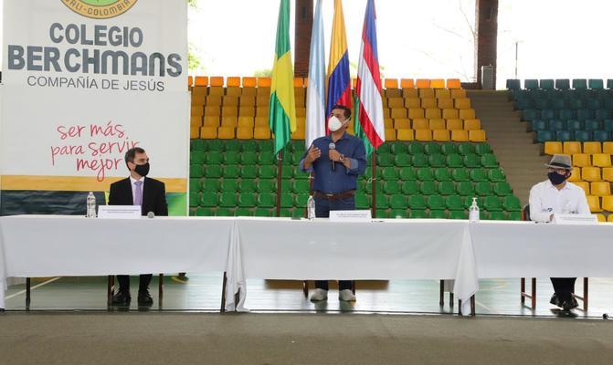 Alcaldía y establecimientos educativos privados firman Pacto por la Vida