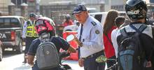 Agentes de tránsito  en medio de un operativo