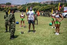 clase de actividad física Tercera Brigada 01