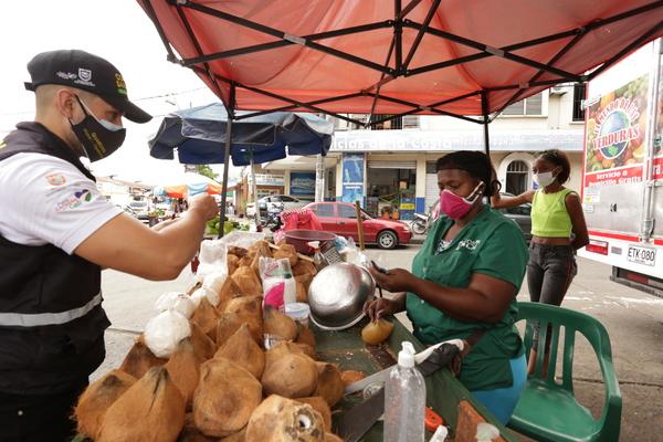 Por quejas en incumplimientos a protocolos de bioseguridad, se visitó comercio en Alameda