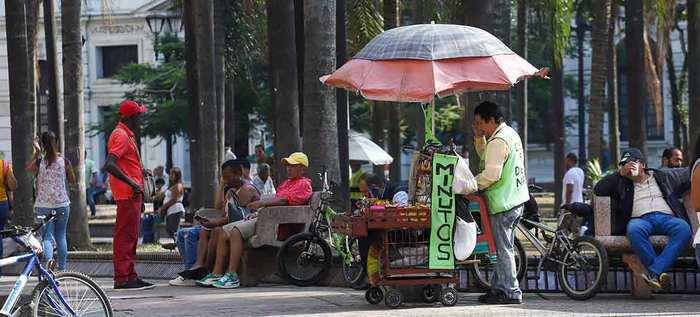 Inician recorridos para sensibilizar el ordenamiento del espacio público con vendedores informales