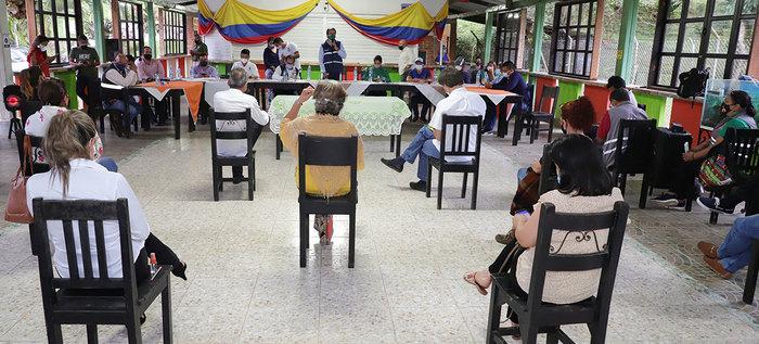 Comunidad de Pance expuso sus necesidades ante la Administración, hubo compromisos