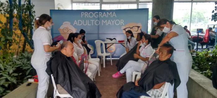 Jornadas de peluquería gratis al adulto mayor