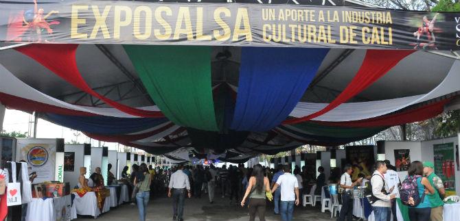 Se inicia la Muestra Empresarial del Mundial de Salsa, en la Plaza de Toros
