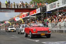 Desfile Autos Clasicos