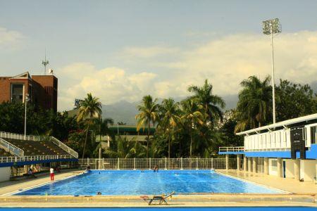 Escenarios deportivos de santiago de cali for Piscina canoe