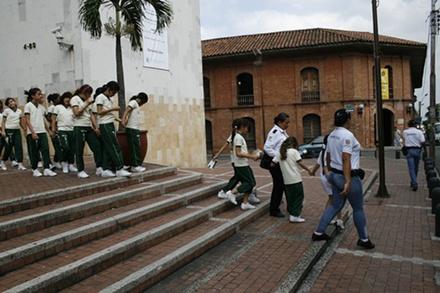 Guardas Cívicos se convirtieron en educadores de ciudad