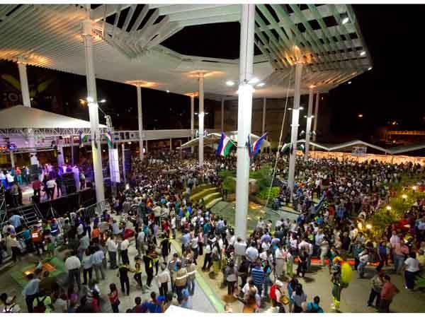 Con la música de Cali Pachanguero, se dio apertura a la Plazoleta Jairo Varela