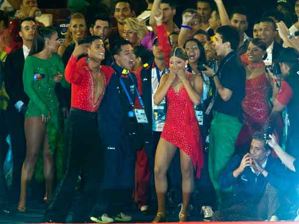 Caleños campeones de baile deportivo, orgullosos por su medalla dorada