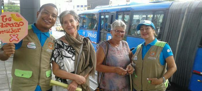Gestores de Paz y Cultura Ciudadana rinden homenaje a la mujer