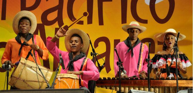 Finalistas al premio de periodismo cultural de Distintas maneras de narrar músicas y cantos del Pacifico