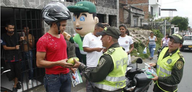 Policía realizó campaña para prevenir hurto de motocicletas en la comuna 1