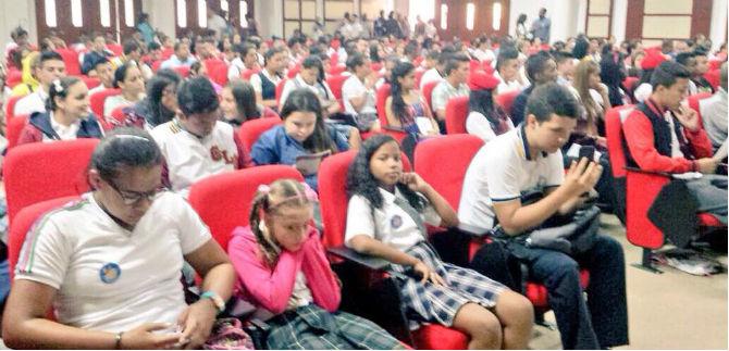 Se posesionaron 800 personeros estudiantiles
