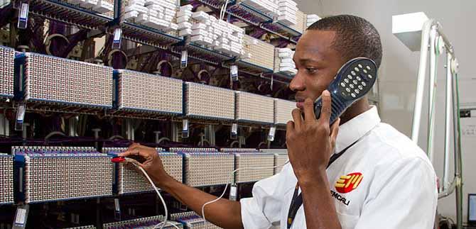 Emcali mejora instalación de telecomunicaciones; 25 % se hacen al otro día