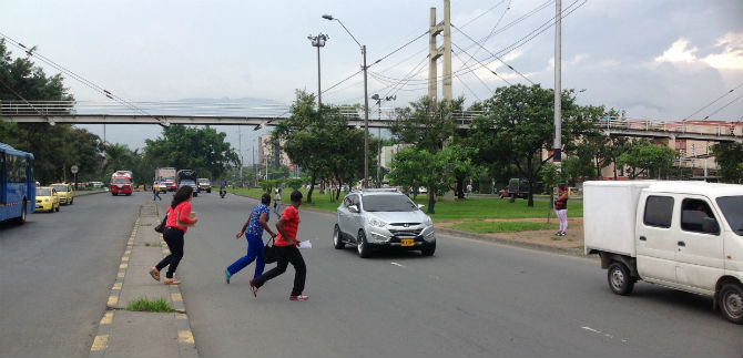 Fundación EKolectivo y Tránsito emprenden campaña en pro de los peatones